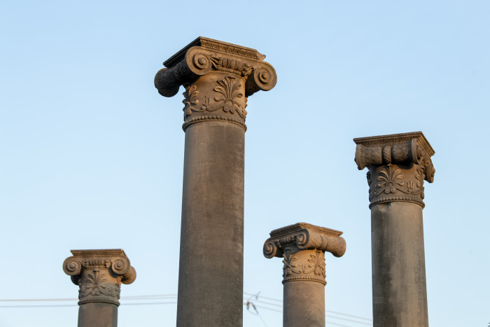Columns at Bottoms Center